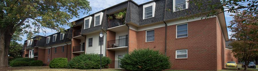 ivy garden apartments in charlottesville is a distinctive community of 440 apartments ideally suited for individuals who require proximity to uva and - Garden Apartments