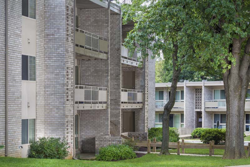 Apartment Building Pictures & Exterior Photo Gallery ...