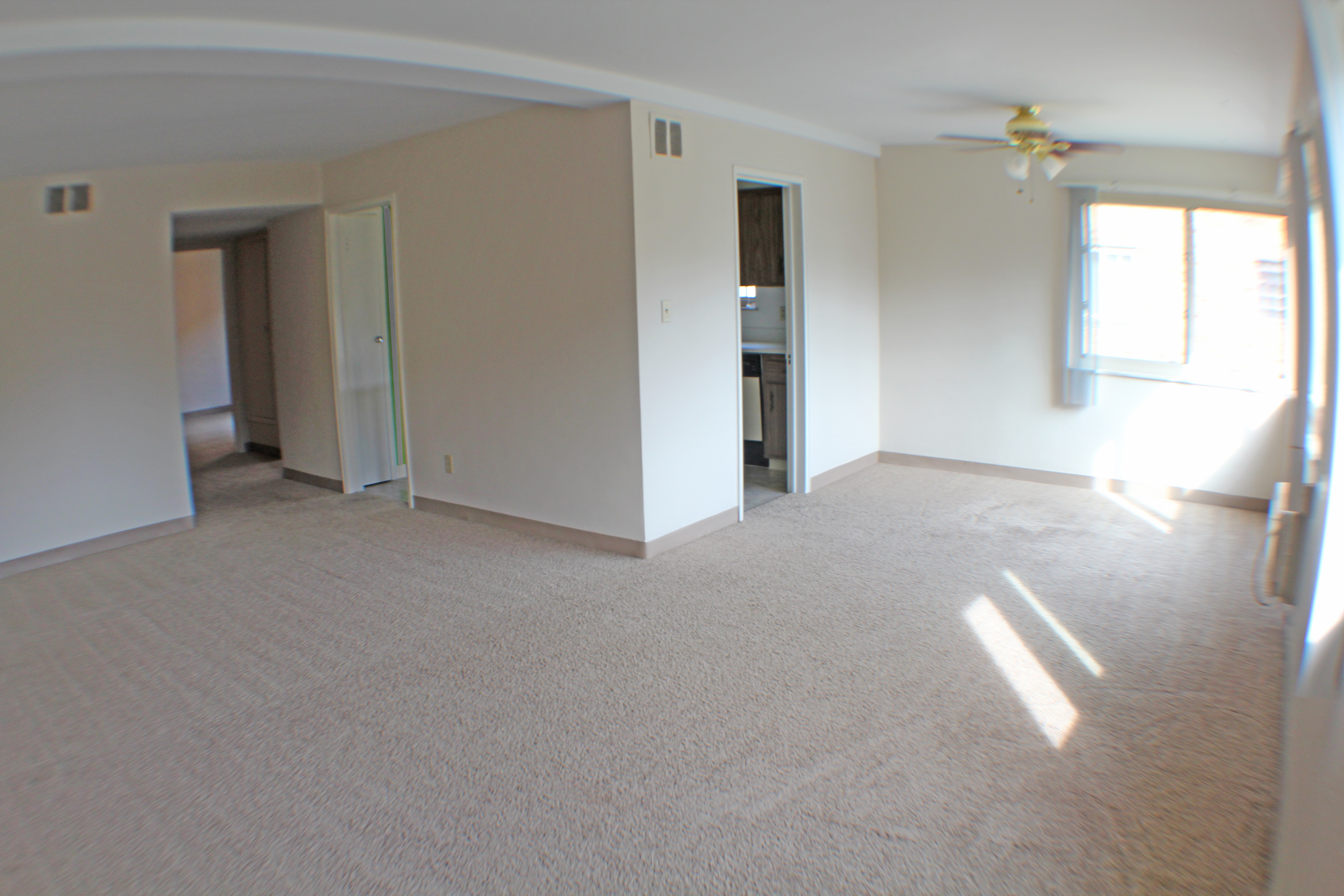 Highland House Apartments in Lakewood, OH - Apartment For Rent